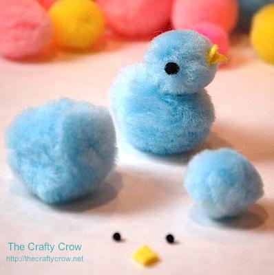 The Crafty Crow how to make a pompom chick