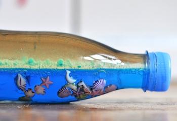 Lilla A ocean in a plastic bottle craft