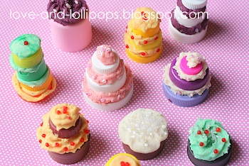 Love And Lollipops plastic lid and playdough cakes