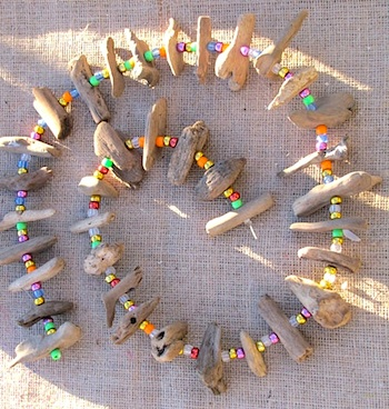 Driftwood garland things to make and do crafts and for Driftwood crafts to make