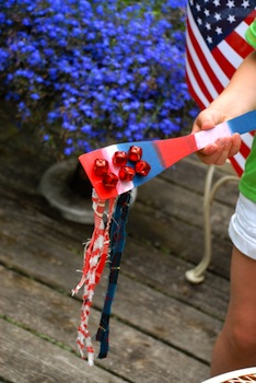 Family Chic 4th of july noisemaker