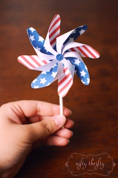 Nifty Thrifty 4th of july small pinwheel printable