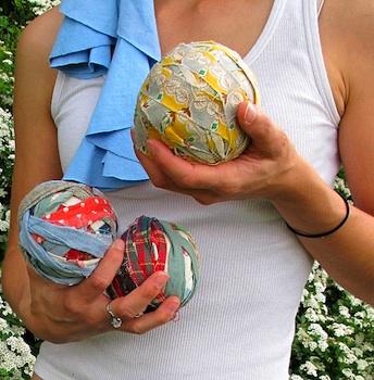 Maya*Made juggling balls