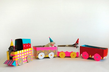 Mer Mag tea box circus train