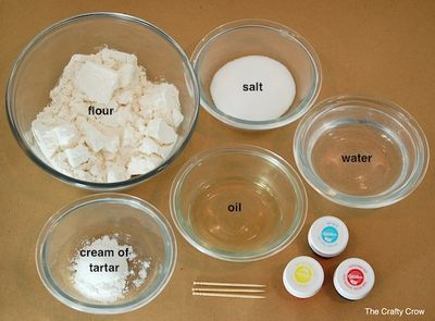 1 Crafty Crow homemade playdough recipe ingredients