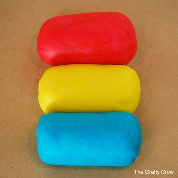 7 Crafty Crow homemade playdough recipe rainbow