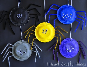 I Heart Crafty Things paper plate spider craft