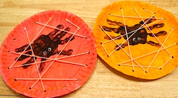Mom Endeavors lacing card spider web halloween craft