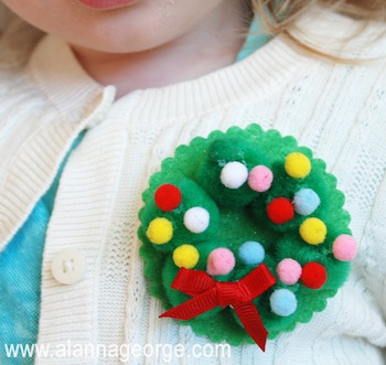 pom pom wreath pin