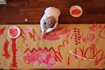 kids make their own wrapping paper