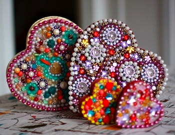 beaded heart boxes