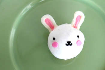 easter bunny cupcakes with chocolate ears