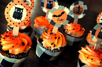Finding My Aloha free halloween cupcake toppers and cupcake wrappers