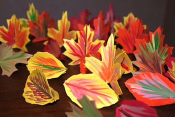 fall paper leaf garland craft for kids