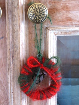 Natural Suburbia yarn wreath ornament