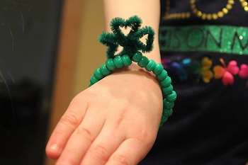 We Talk of Christ, We Rejoice In Christ shamrock bracelet craft
