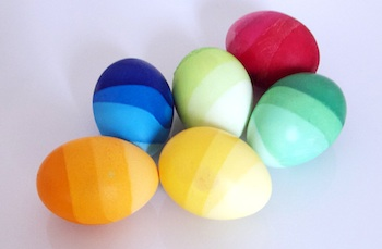 El Hada De Papel ombre dyed easter eggs