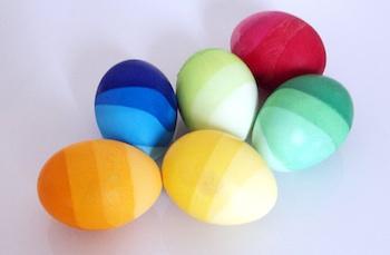 El Hada De Papel ombre dyed easter eggs