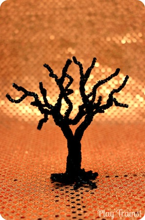 spooky pipe cleaner trees for pretend play or Halloween decorations