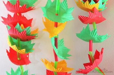 Easy Holiday Garland Kids Can Make Things To Make And Do Crafts