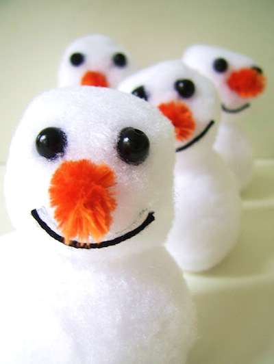 easy pompom snowman craft for kids