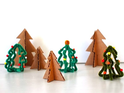 mini Christmas trees from pipe cleaners crafts for kids
