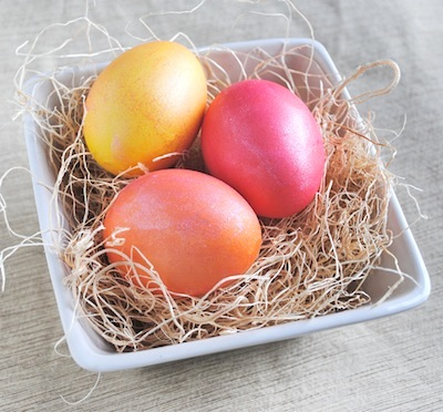 pearlized dyed Easter eggs DIY