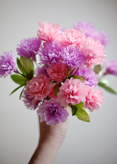 DIY crepe paper flowers Mother's Day craft