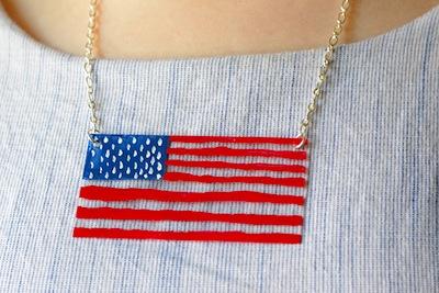 acrylic flag necklace diy