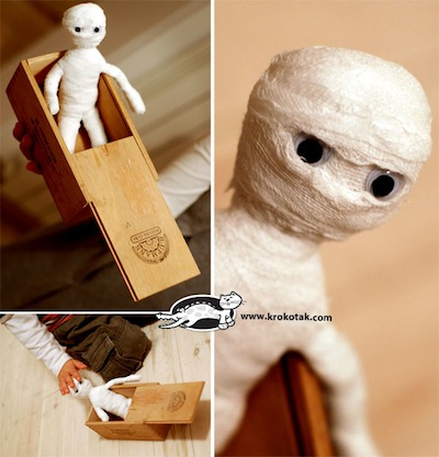 mummy doll diy for Halloween