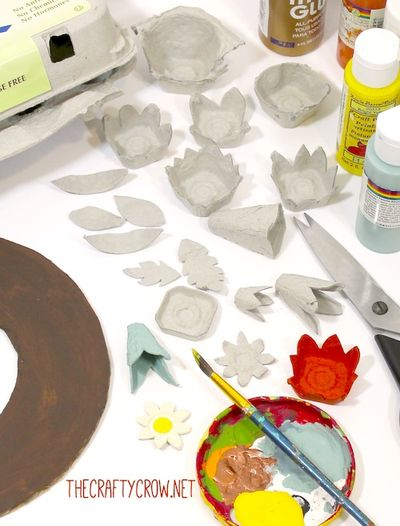 The Crafty Crow fall egg carton wreath craft DIY materials