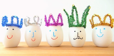 pipe cleaner crowns for eggs