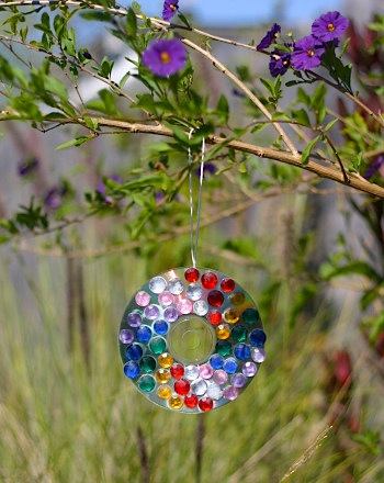 sun catcher craft with CDs