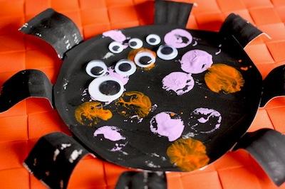 paper plate spider craft for preschoolers Halloween craft