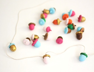 painted acorn garland DIY