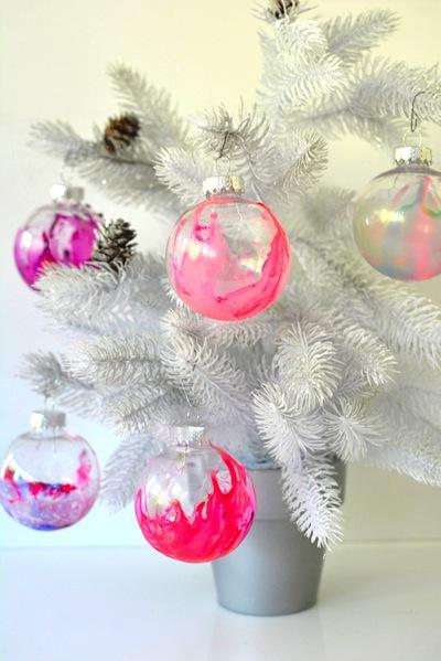 nail polish marbled Christmas ornaments