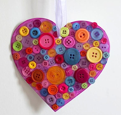 button heart craft for Valentine's Day