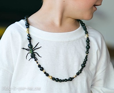 Halloween spooky necklace DIY