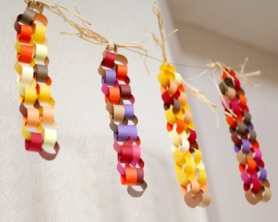 paper chain corn Thanksgiving decoration