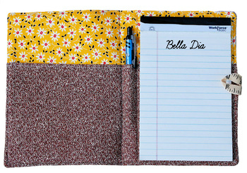 Bella Dia quilted list taker open