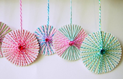 Jeweled string ornaments things to make and do crafts and diy christmas string ornaments solutioingenieria Image collections