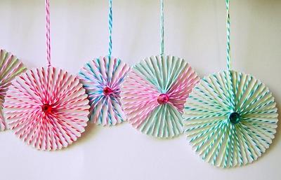 DIY Christmas string ornaments