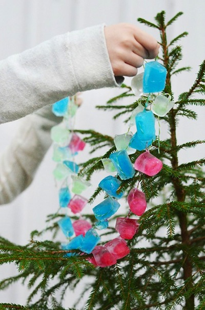 DIY ice cube garland
