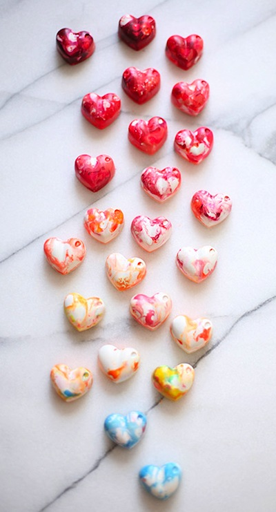how to make heart shaped crayons for Valentine's Day