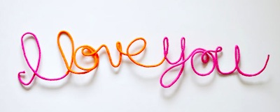 "yarn wrapped wire ""i love you"" sign Valentine's Day craft"