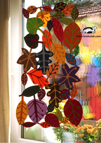 Fall paper leaf garland things to make and do crafts for Leaf crafts for adults