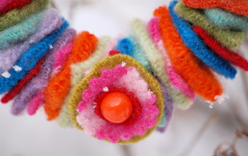 Mini_wool_wreath_flower_decoration