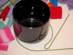 Wrap_wire_around_cup_2