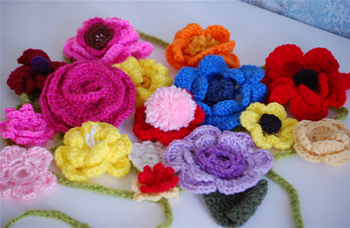 crocheted flower garland 2