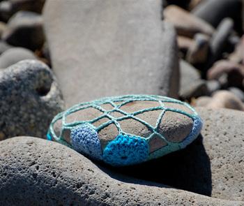 Bella Dia stone crochet back